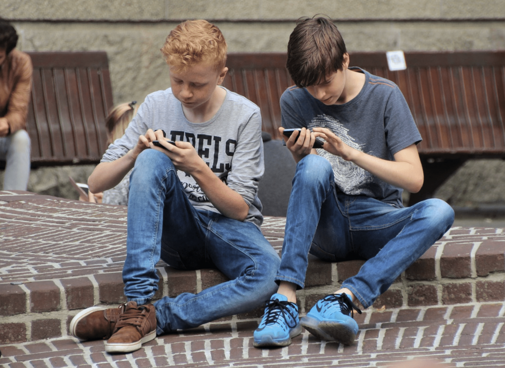 Number of active mobile gamers hits record 2.1 billion worldwide