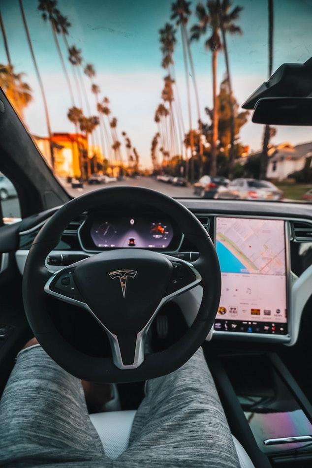 Tesla CEO Elon Musk driverless technology